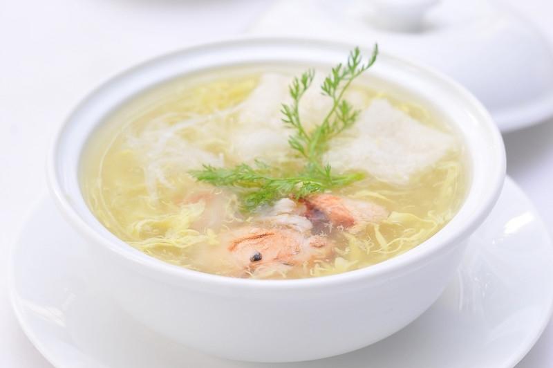 canh súp mềm cho bé bị viêm amidan