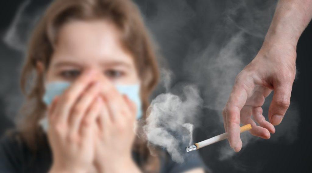 Khói thuốc lá nguy cơ gây viêm phổi ở trẻ em
