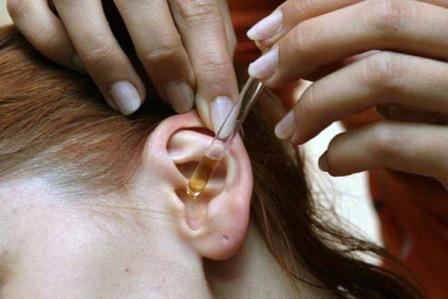 Viêm tai giữa ở trẻ em: nhỏ tai