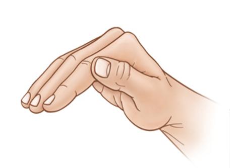 tư thế tay vỗ lưng khi trẻ bị viêm phổi
