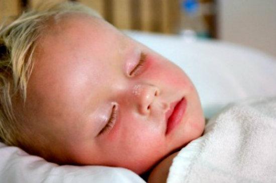 Cha mẹ biết gì về bệnh viêm amidan nguy hiểm ở trẻ nhỏ hay không 1