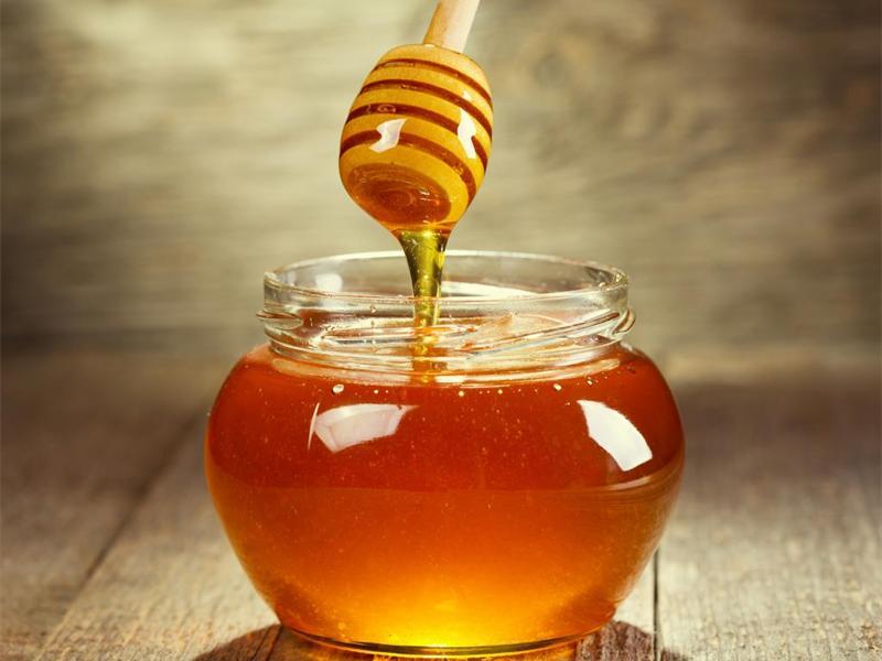 mật ong chữa viêm họng cho trẻ