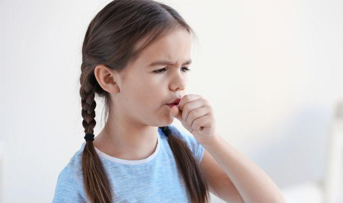 trẻ bị viêm họng ho